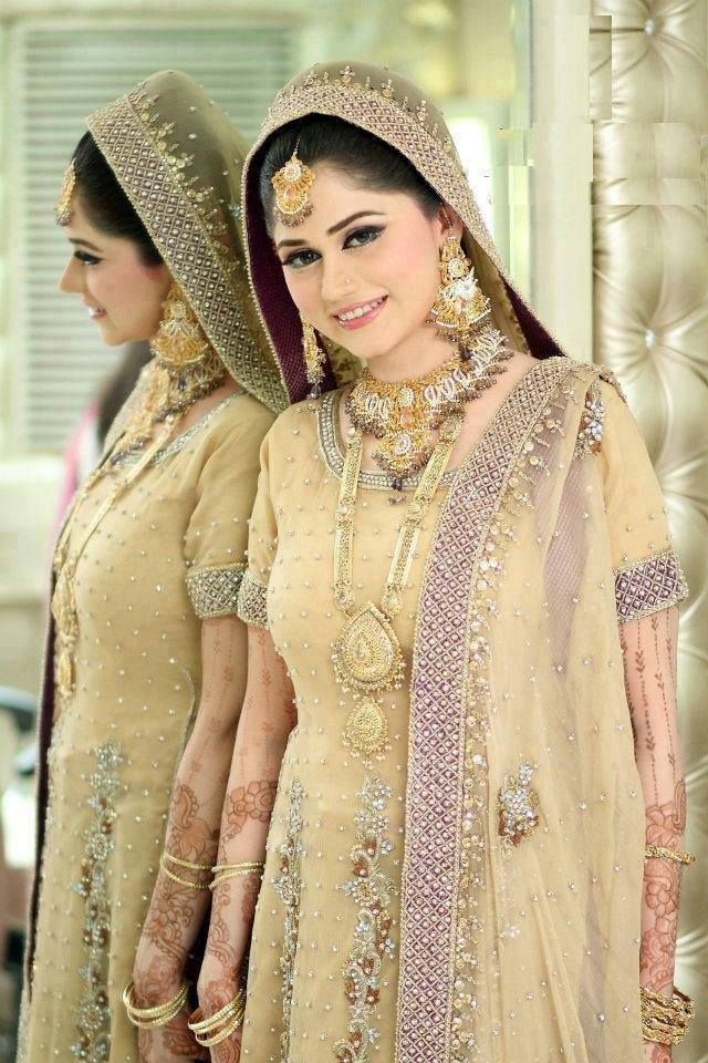 Pakistani bridal wear wedding dress online pakistani for Cheap pakistani wedding dresses